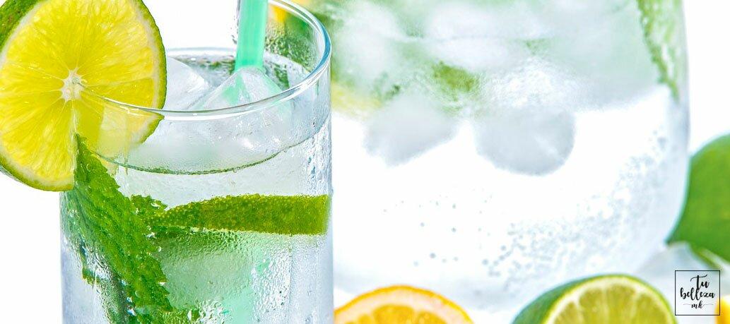 El agua es importante para cuidarse en verano