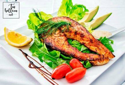 Hidrata tu piel y aliméntate de pescado azul como el salmón