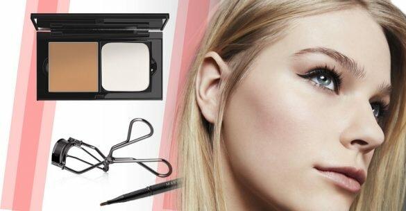 Cómo utilizar la esponja cosmética, la brocha Cream Color y el rizador de pestañas