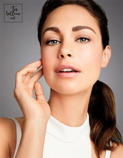 Incluye el sérum en tu rutina de cuidado de la piel para prevenir arrugas, manchas, acné...